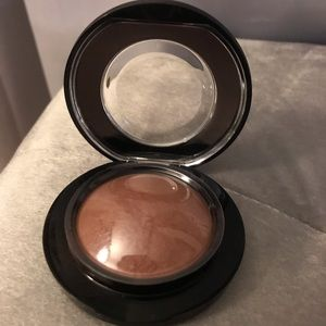 MAC Mineralize Skinfinish Blush in Humour Me